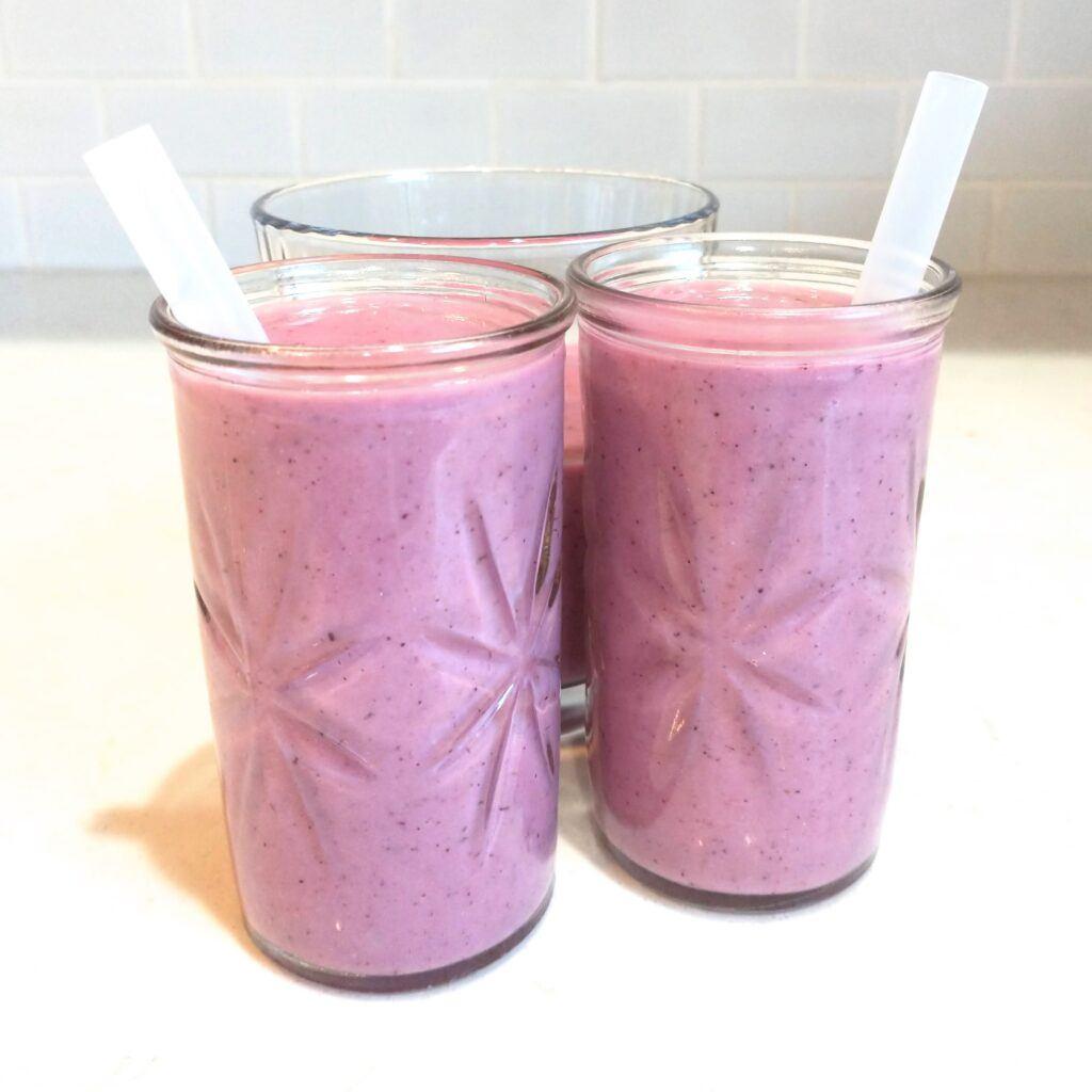 Strawberry Cauliflower Smoothie - Healthy Fruit and Veggie Smoothie
