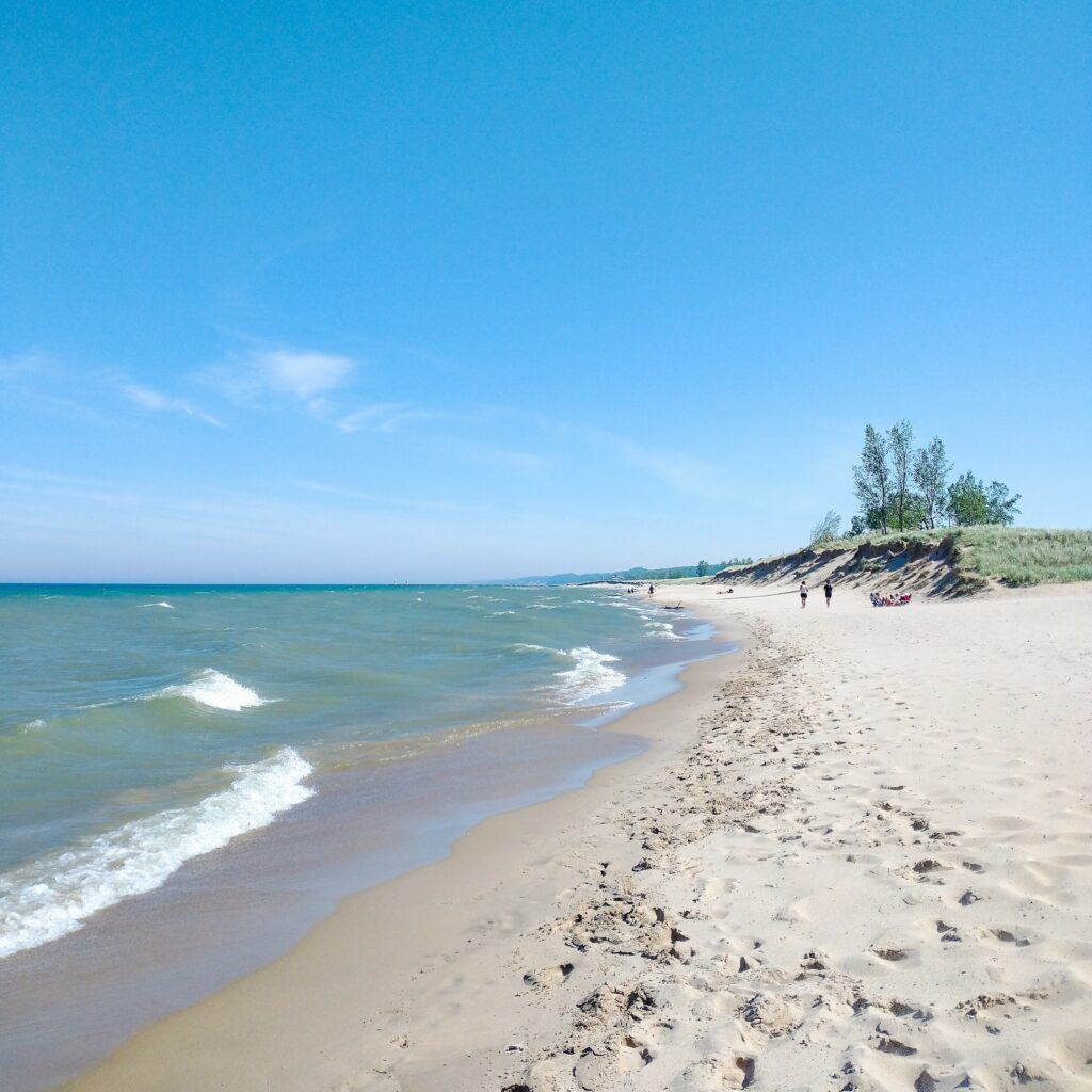 3 Must See Spectacular Hikes In Saugatuck, Michigan - Mt. Baldhead To Oval Beach